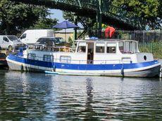 Fully refurbished Dutch Barge