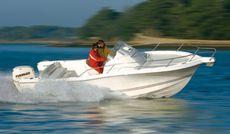 White Shark 228 Sun Deck