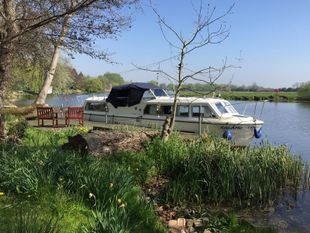 Viking 32 river and canal cruiser boat
