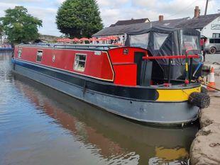 Bear Necessities - 50 foot cruiser stern narrowboat