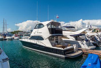 Riviera 51 Enclosed Flybridge Series II