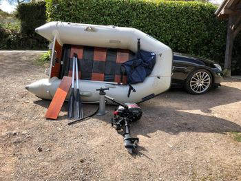 Inflateable dinghy