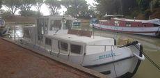Popular liveabioard Locaboat Penichette 9m