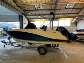 Quicksilver Activ 555 (for sale through Rock Marine Services Ltd)