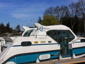 Nicols Confort 900 Canal and river cruiser - Coachroof/Wheelhouse
