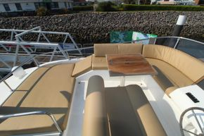 Sasga 42 Flybridge seating