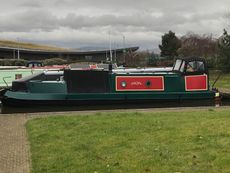 Beautiful 36 ft Traditional Narrow Boat