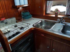 Broom 36 Aft cabin - Galley