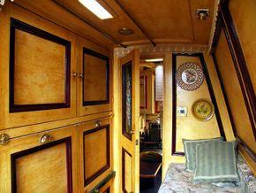 Boatman's Cabin Fwrd