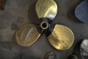 "RH, 30 x 20, Hyle, 3-blade, Brass, 2 1/4"" bore"