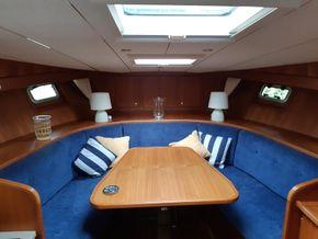 Forward seating