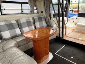 Cranchi 40 Atlantique - Saloon - Starboard Side