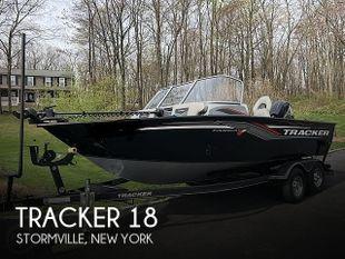 2019 Tracker Targa V18 WT