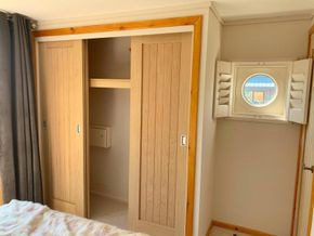 Built in wardrobes with Sliding Doors