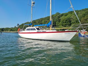 Colvic Victor 34 with Dartmouth mooring
