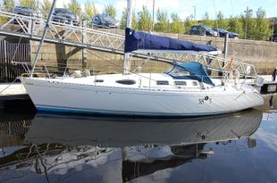 Beneteau First 38s5 Built 1990 2 cabin owners version.