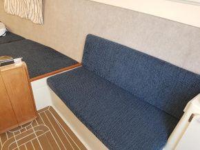 Hunter Legend 25 - Starboard berth