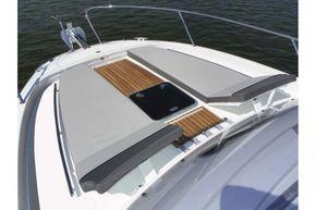 Jeanneau Cap Camarat 9.0 WA (sports boat / cruiser) - front sundeck