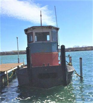 1965 34.8′ x 13.3′ Truckable Steel Tug/Push Boat