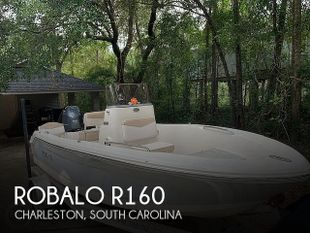 2019 Robalo R160