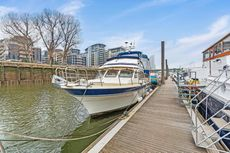 Comfortable and spacious Trader 41+2 for sale, SW6