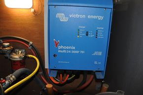 Victron Invertor (3000 watt)