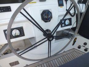 Sunreef 60 Loft  - Fly Bridge Helm
