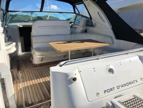 Entry onto yacht