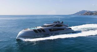 141ft Naval Yachts Luxtreme 43m Superyacht