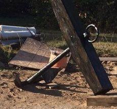 6′ x 6′  Wood stock anchor