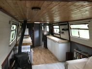 71ft X 9ft light and spacious boat