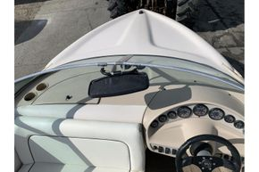 MasterCraft ProStar 190 - helm position with rear view mirror