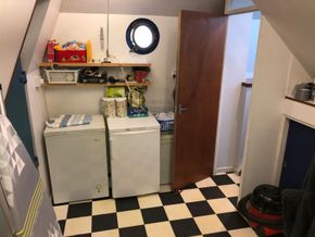 Belgium Spitz Dutch Barge Flat bottom, steel hull with rivets - Utility Room