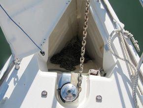 Jeanneau 36i Anchor & windlass