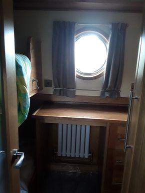 Cabin 2 bunks dressing table