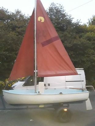 Sailing dinghy 12'