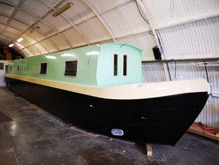 BESPOKE 57FT CRUISER STERN NARROWBOAT