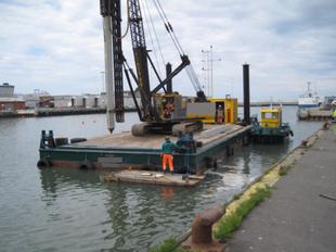 23 x 10m Flattop Barge