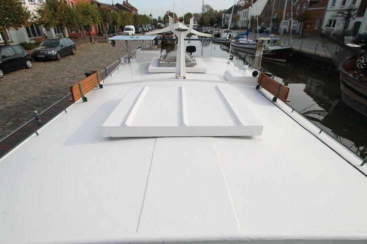 Barge live aboard sailing ship