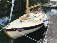 Wee Seal 11.  18'6'' Pocket Cruiser