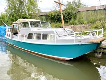 JUST REDUCED Beautiful Widebeam Barge Houseboat River Cruiser