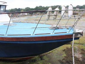 Houseboat purpose built 20m  - Bow