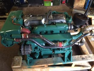 80hp Bobtail Ford Sabre 80 Marine Diesel Engine - Pair Available