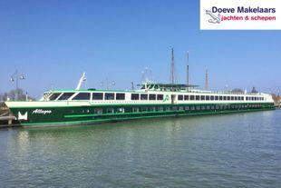 Hotel / Passenger vessel 138 passengers
