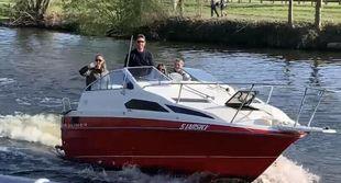 Incredible looking Bayliner boat