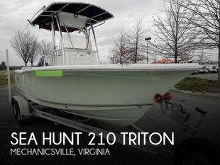 2017 Sea Hunt 210 Triton