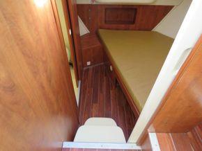 Nicols Estivale Duo ex hire cruiser - Forward Cabin
