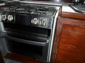 Cooker with Grill
