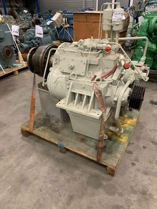 REINTJES WAF 540 - 3.955-1 - 660 KW - 885 HP - 1650 RPM - SN 54044