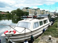 Burland 26ft Move In Ready House Boat